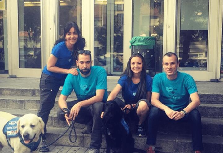 Perros Azules - Mejorar el estado emocional del personal sanitario de primera línea en la lucha contra el COVID 19